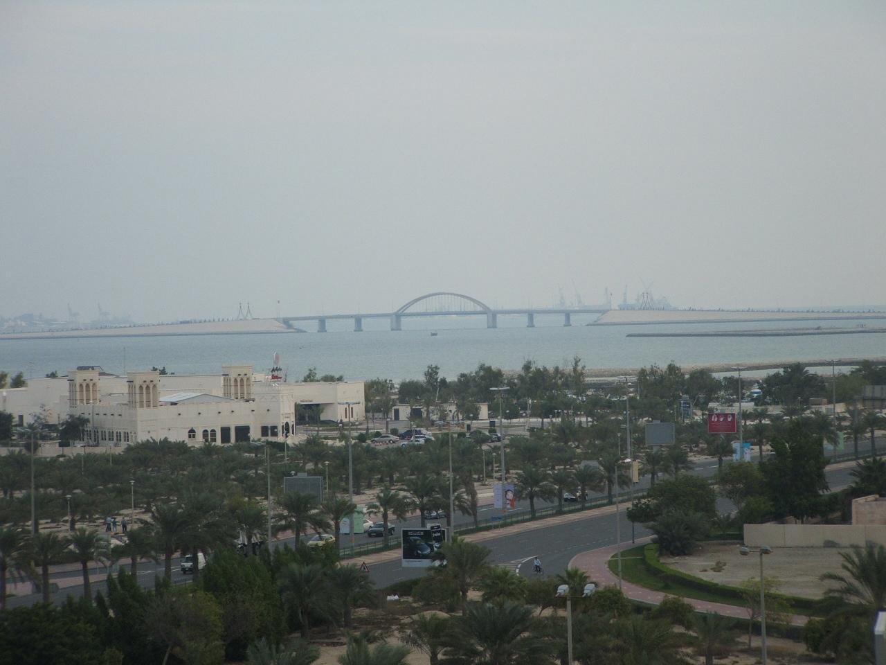 2005_1124Bahrain0010.JPG