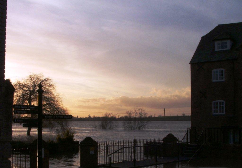 Sunset on the flooded Ham small.JPG