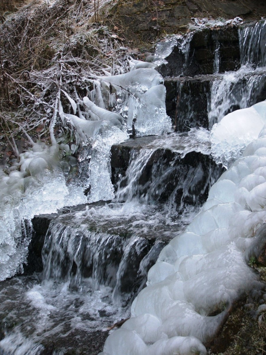 Iced waterfall.JPG