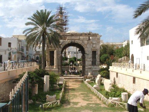 Roman arch.JPG